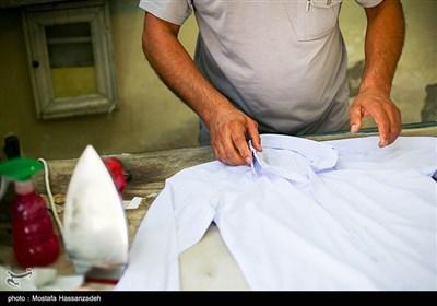 خیاطی های شهر روزهای شلوغی را سپری میکنند.پوشیدن لباس نو و دید بازدید از رسوم ترکمن ها میباشد