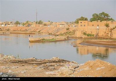 رهاسازی آب بصورت موقت صورت گرفته و در جاهایی کشاورزان حاشیه سوسنگرد توانستند به آب دسترسی پیدا کنند