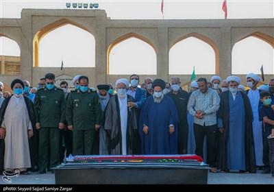 مراسم تشییع استاد برجسته حوزه علمیه قم در یزد برگزار شد