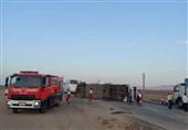 واژگونی اتوبوس با 19 سرنشین در سرخه؛ 15 نفر راهی بیمارستان شدند+تصاویر