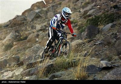 مسابقات دوچرخه سواری دانهیل استان همدان