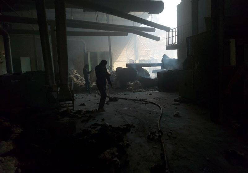 حریق گسترده در کارخانه پنبه گناباد اطفاء شد+فیلم