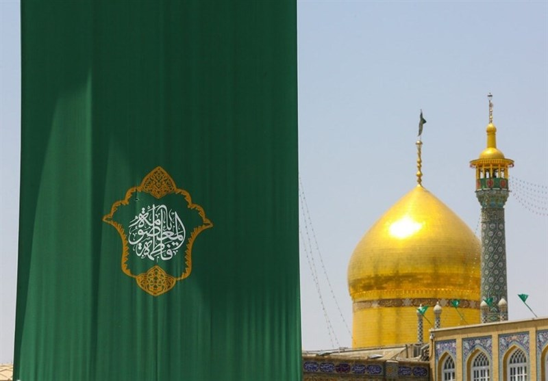 حرم حضرت معصومه(س) در آستانه عید غدیر سبزپوش شد+ تصاویر