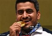 جواد فروغی دو مدال طلای جهانی خود را به موزه آستان قدس رضوی اهداء کرد + فیلم