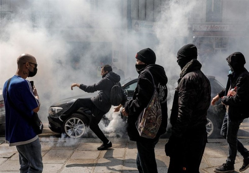 Paris Protesters Clash with Police Over Vax Mandates in France (+Video)