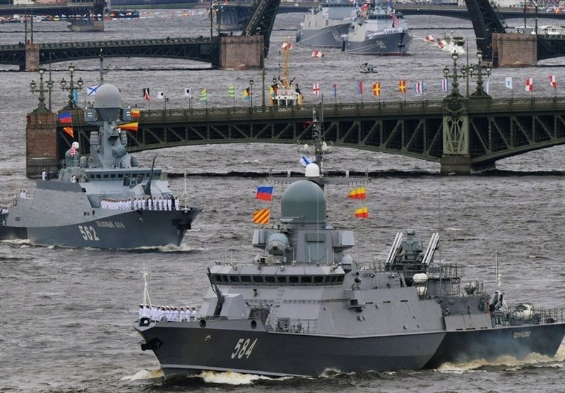 Russian Military Show Might in Navy Day in St. Petersburg Parade (+Video)