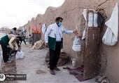 110 هزار وعده غذایی توسط آستان قدس در حاشیه شهر مشهد توزیع میشود