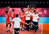 المپیک 2020 توکیو| سلطانیفر و صالحیامیری، تماشاگر پیروزی تیم ملی والیبال/ پخش صدای خوانندگان ایرانی در سالن
