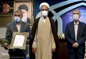 معاون قرآنی وزیر ارشاد هدیه 50 میلیونی خود را به فعالان قرآنی نقاط محروم داد