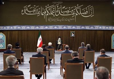 الامام الخامنئی: الاعتماد على الغرب لا یجدی نفعاً