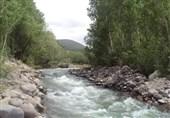 گزارش تسنیم از تغییر رنگ رودخانه چالوس/ معدنکاران مقصرند یا معدنخواران؟+ فیلم