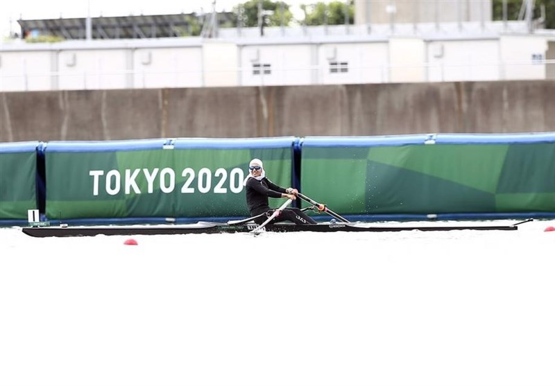 المپیک 2020 توکیو| هدیه توماس باخ به بانوی قایقران ایران + تصاویر