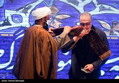 انتصاب فرهاد قائمیان بازیگر سینما و تلویزیون به خادمی آستان مقدس حضرت امامزاده صالح(ع)