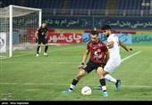 دیدار فوتبال تیمهای پدیده مشهد و فولاد خوزستان