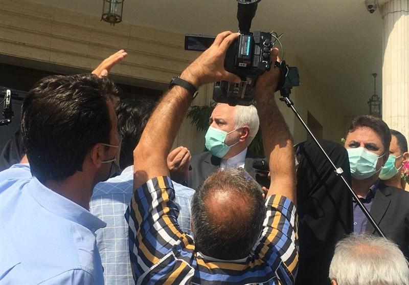 ظریف: به هیچ بیگانهای اعتماد نداشتیم/ به دانشگاه میروم