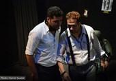 """روایتی از تنهایی آقای نویسنده در نمایش """"دومینوی دزدُ رزی و نویسنده"""""""