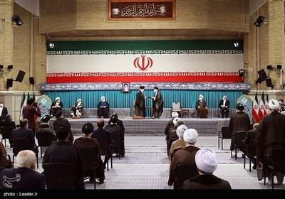 مراسم تنفیذ الحکم للدورة الثالثة عشرة لرئاسة الجمهوریة الإسلامیة فی إیران