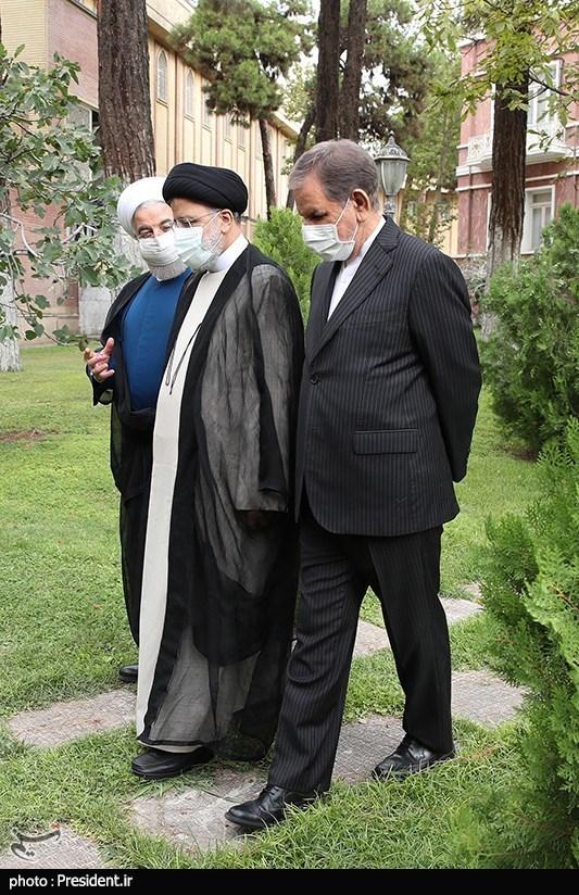 تحویل دفتر کار رییس جمهور اسلامی ایران