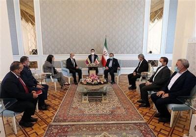 تاکید رضایی بر گسترش تجارت و تعمیق روابط میان ایران و ونزوئلا