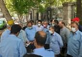 اعتراض دوباره رانندگان خودروهای استیجاری شهرداری ارومیه/ واکنش شهردار جدید: هرکس نمیخواهد برود!