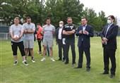 صحبتهای عزیزی خادم با ملیپوشان؛ از حضور بازیکنان در اروپا تا وعده رونمایی از لباس تیم ملی