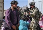 کاسبی سربازان آمریکایی در فرودگاه کابل؛ اخاذی از مردم برای خروج از افغانستان