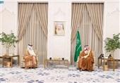 وزیر خارجه قطر در کاخ نیوم با ولیعهد عربستان دیدار کرد