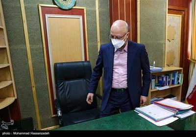 زُلفیگل بدون حضور وزیر قبلی وزارت علوم را تحویل گرفت