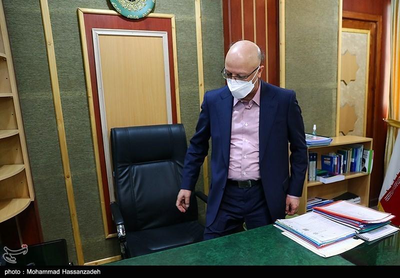 زلفی گل بدون حضور وزیر قبلی وزارت علوم را تحویل گرفت