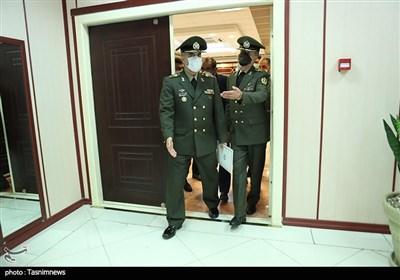 حضور امیر سرتیپ آشتیانی دردفتر وزارت دفاع و دیدار با امیر سرتیپ حاتمی
