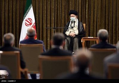نخستین دیدار رئیسجمهور و اعضاء هیئت دولت با رهبرمعظم انقلاب