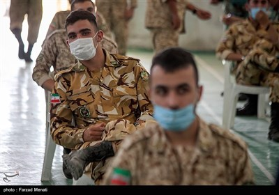 تزریق واکسن کرونا در بیمارستان ارتش - کرمانشاه