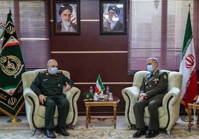 سرلشکر سلامی در دیدار وزیر دفاع: دشمن از هیچ ترفندی برای فشار بر ایران فروگذار نکرده است