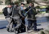 قوات العدو الصهیونی تشن حملة اعتقالات بالضفة الغربیة