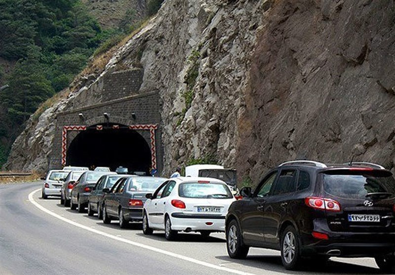 محور کرج چالوس موقتاً یکطرفه شد/ ترافیک سنگین در آزادراه قزوین -کرج محدوده پل حصارک