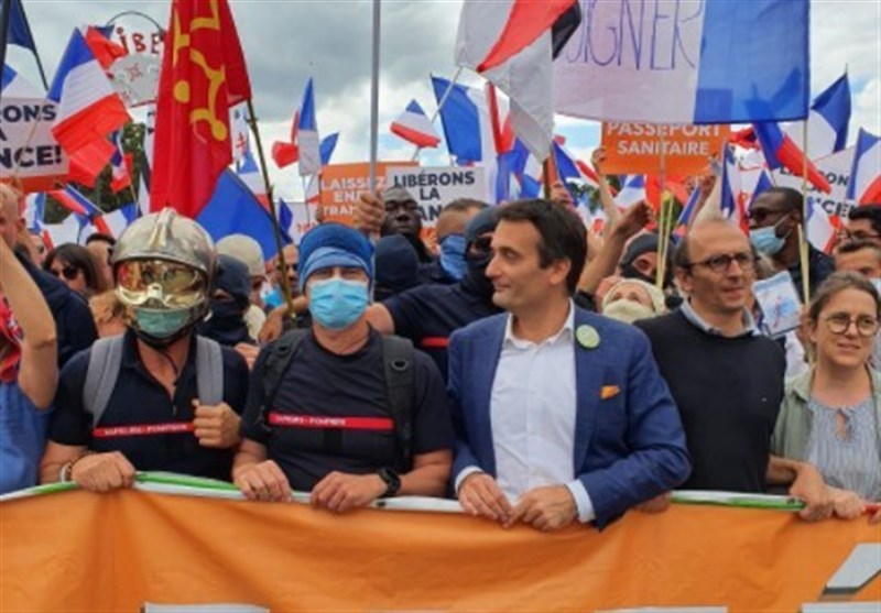 Thousands of Parisians Protest over COVID-19 Health Passes Again (+Video)