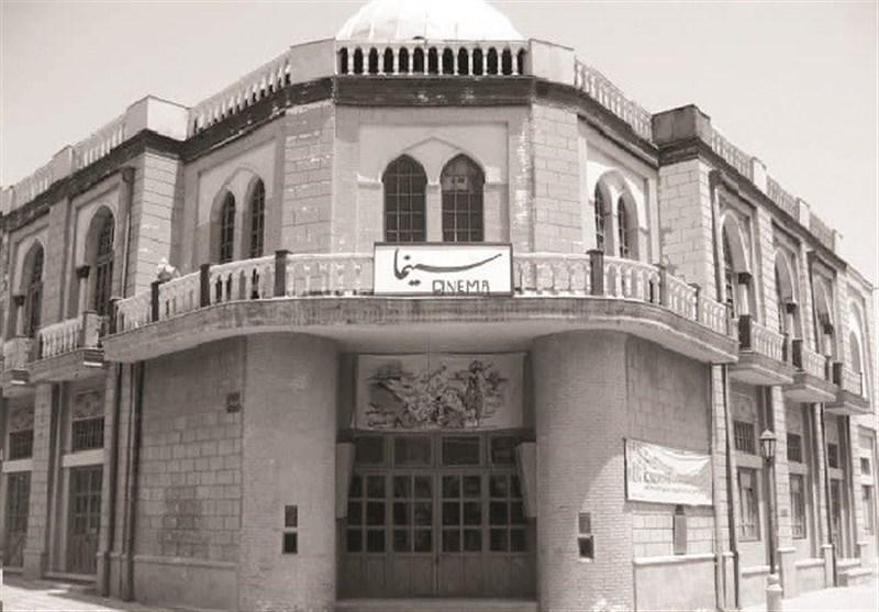 یک ایرانی، طی 10 سال، 3 بار به سینما میرود