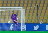 دروازهبان الهلال: میتوانستیم استقلال را با نتیجه بهتری شکست بدهیم/ پیروزی مهمی کسب کردیم