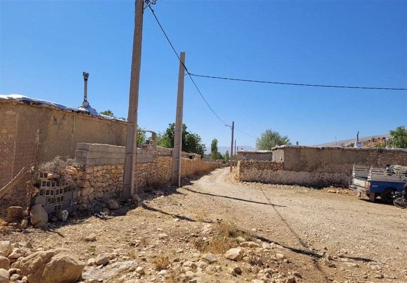 """نبود زمین مانعی برای مهاجرت معکوس به روستای """"شوراب"""" گناباد / تامین زیر ساختها مردم را به تولید در روستا باز میگرداند"""