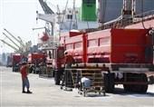ثبت رکورد جدید خروج کالای اساسی از بندر امام (ره)/ 2877 کامیون در 1 روز بارگیری کردند