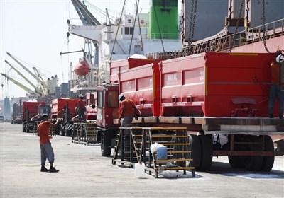افزایش سرعت تخلیه و بارگیری کشتیهای حامل محصولات پتروشیمی در بندر امام
