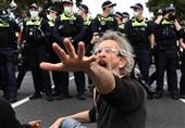 درگیری شدید پلیس استرالیا و معترضانی که دیگر طاقت قرنطینه ندارند