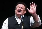 ناصر وحدتی: حق نداریم در ترانههای قدیمی دست ببریم