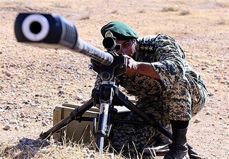 فرمانده قرارگاه ارتش در غرب کشور: نیروهای تکفیری، داعشی و معاند جرات نزدیکی به مرزهای ایران را ندارند/ با رصد روزانه مراقب حرکات آنها هستیم