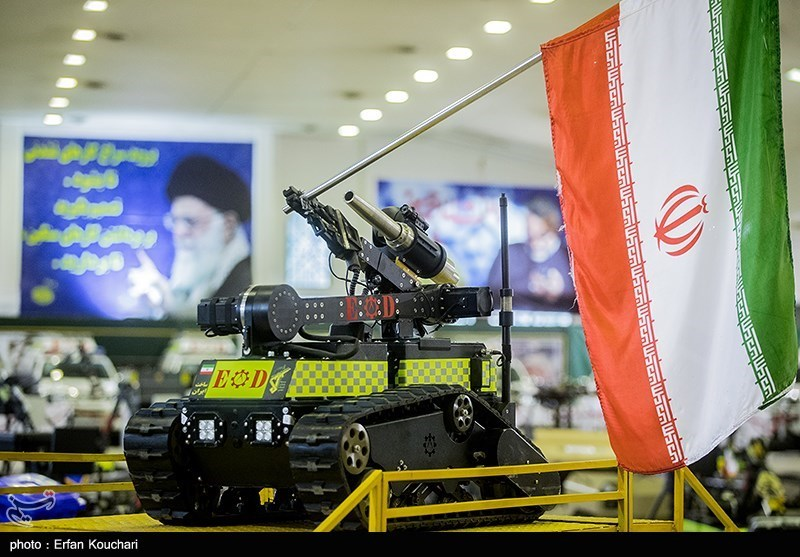 Devrim Muhafızları'nın Yeni Robotları Görücüye Çıkarıldı