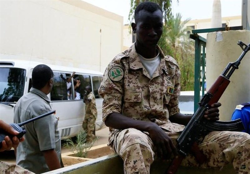 Sudan Thwarts Military Coup Attempt After Soldiers Try to Seize Army HQ (+Video)