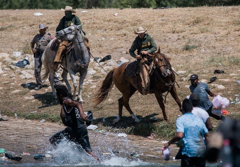 Harrowing Images of US Border Patrol Using Whips on Haitian Migrants (+Video)