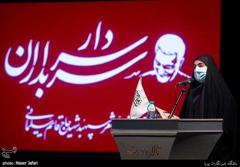 """ماجرای شعری که لبخند معروف """"سردار سلیمانی"""" را رقم زد/ بیابانکی: به حافظ تفأل زدیم، با شعری عجیب پاسخ داد! + گزارش تصویری"""
