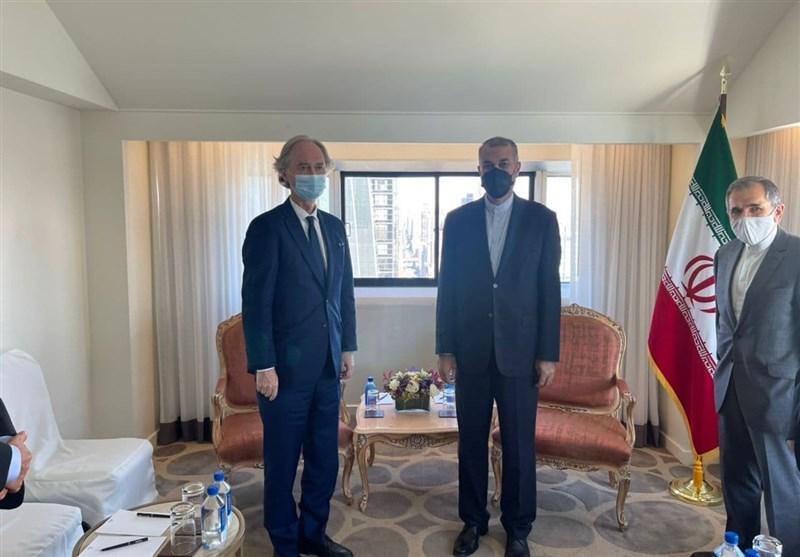 وزیر الخارجیة الإیرانی یلتقی المبعوث الخاص للأمم المتحدة إلى سوریا