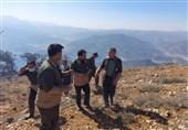 """رئیس سازمان جنگلها: استفاده از 2 فروند بالگرد آبپاش برای مهار آتش در """" درازنو""""/ وزش شدید باد کار اطفا را سخت کرد"""